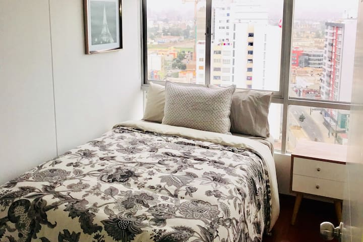 Bedroom with Ocean view in Magdalena, Lima