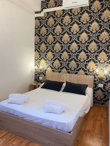 Charming room near to Vatican(room 1)