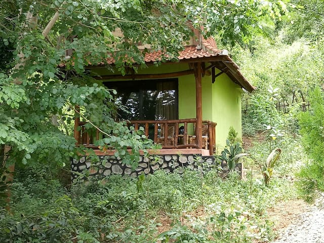 Kuta Beach Mountain bungalows 3
