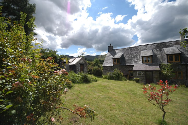 Remote 18c Cottage in the Central Brecon Beacons