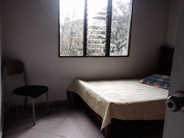 Luminosa habitación
