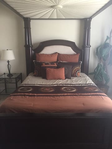 Luxurious Bed, Bath & Breakfast! - Cumming - Hus