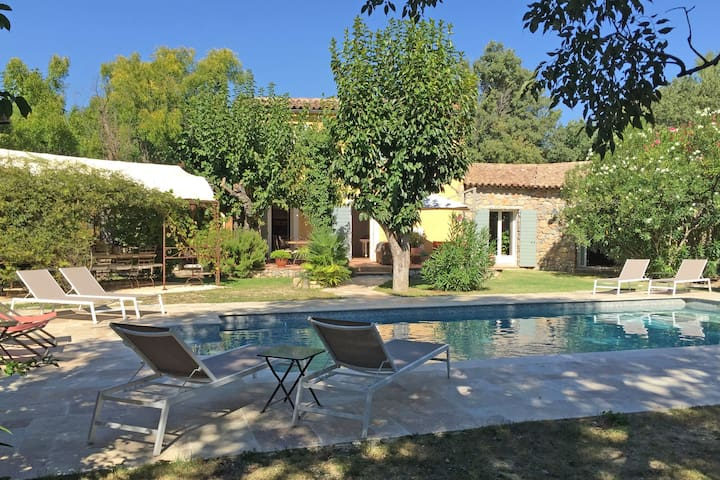 Spacious villa with private swimming pool a few minutes' walk from Lorgues