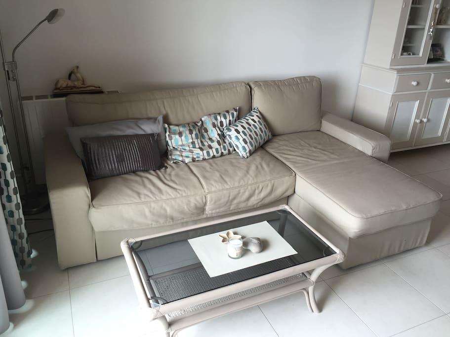 canapé lit dans salon/séjour