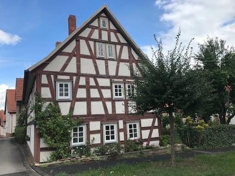 Rhöner Fachwerkhaus mit besonderem Charme