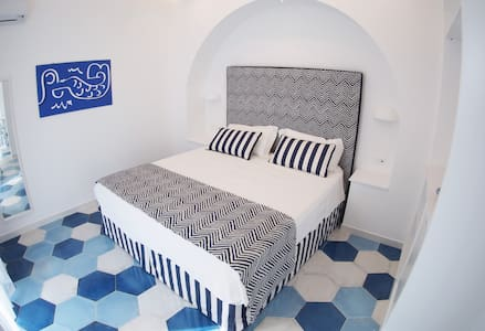 Syreness Suites Blue apartment - Sorrento - Bed & Breakfast