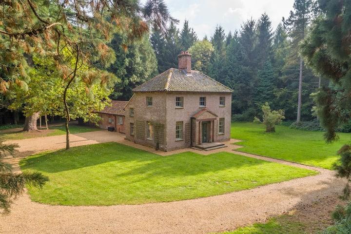 Bears Cottage & 200 Acre Wood - Fring Estate
