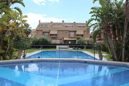 Amplio bungallow golf - Alicante - Banglo