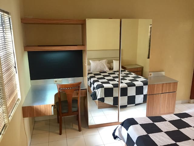 Convenient location w/ strong wifi - Bandung
