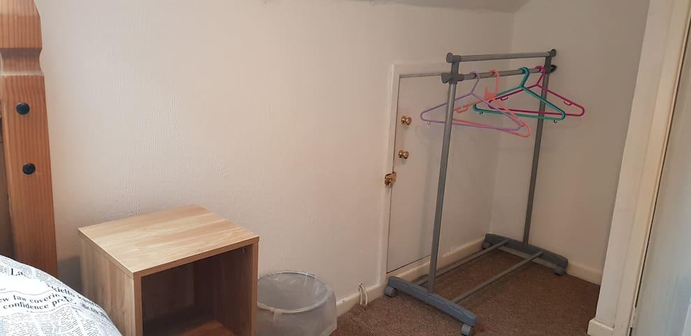 Cosy single attic room 5