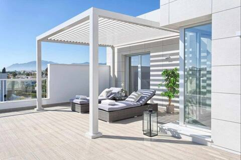 New contemporary duplex penthouse in Jade Beach II