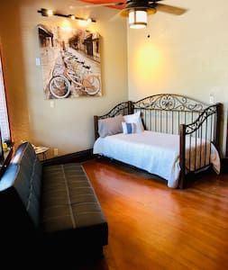 Flatiron Historic Sandstone Inn #6