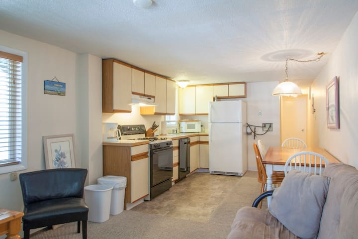 2 Bedroom Beachblock Apt