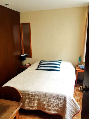 Cozy, cute and warm room in the best area - Del Valle Norte - Byt