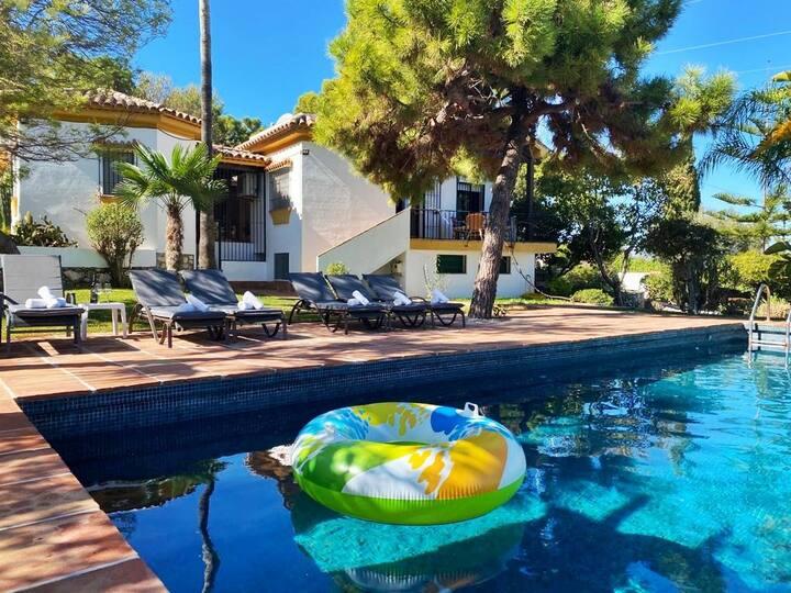 Villa Naranjo 8 People ⭐️POOL +VIEWS+ RELAX⭐️