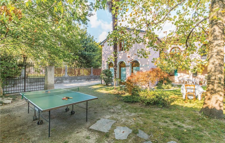 Semi-Detached with 3 bedrooms on 130 m² in Vittorio Veneto TV