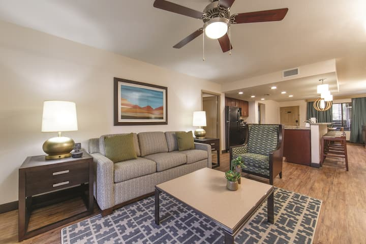 Free Self-Parking + Air-Conditioning | Southwest Villa in Scottsdale
