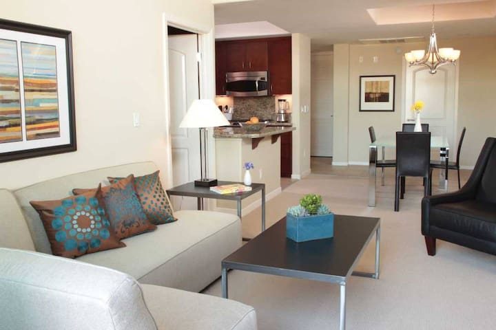 Luxury 1BR Apartment- Cedar Sinai/BeverlyHills