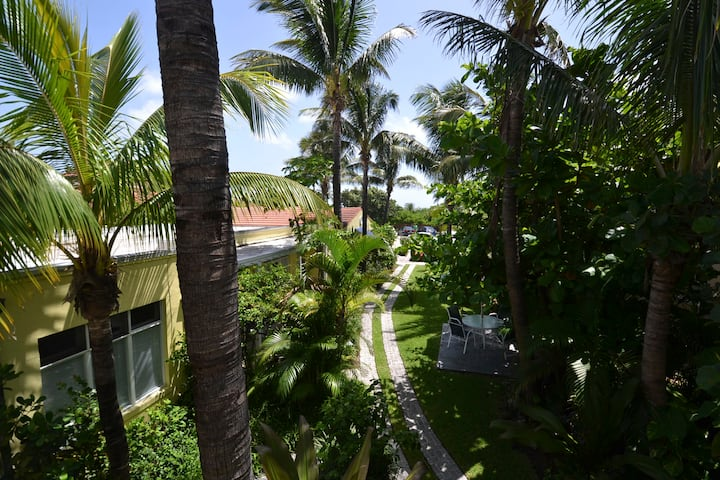 Beautiful Delray Condo Steps from the Beach