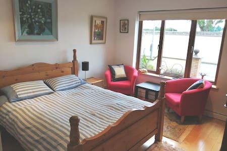 Sycamore House, en-suite room