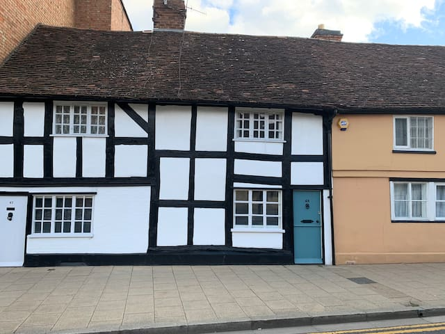 Tudor cottage in the heart of Stratford upon Avon