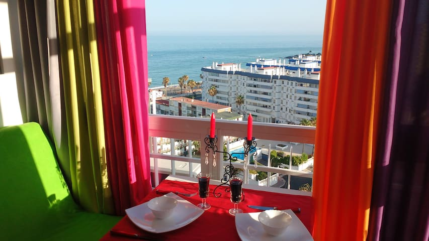 Love in bright colors with Sea View!!!!