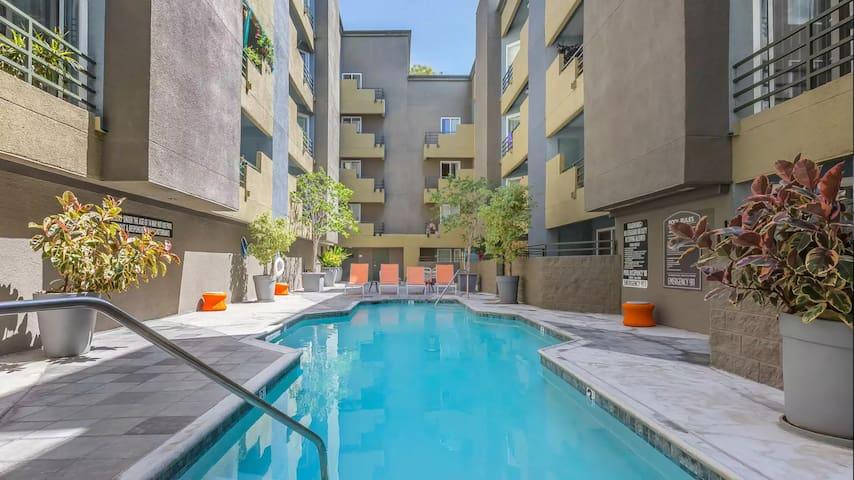1 Bedroom Suite in West Hollywood