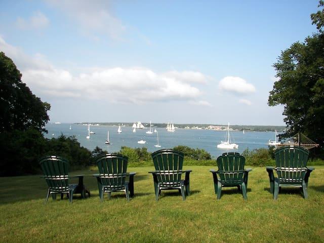 Ocean Views & Beach Access in Vineyard Haven