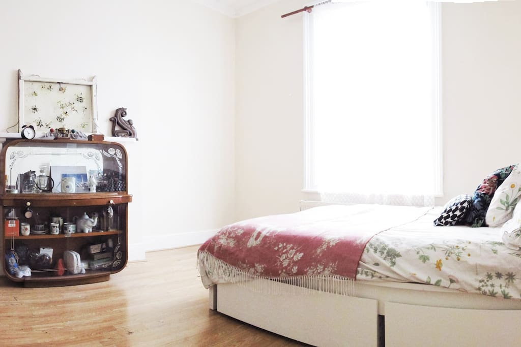Room 1 Big Double Bedroom, high ceilings, Bright, spacious, charming