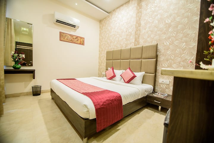 Super Deluxe Rooms by Luxurious Resort Stay