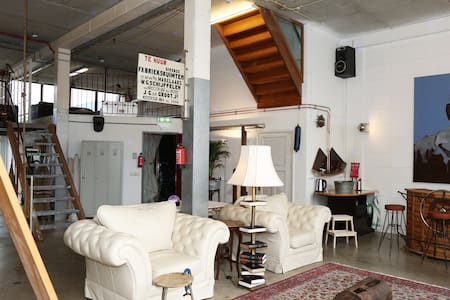 Großes Lager: Industrieapartment in Amsterdam