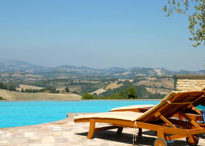 Luxury Apartment With Infinity Pool - Santo Stefano