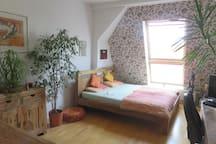 Big room in comfortable 180qm flat, 40qm terrace