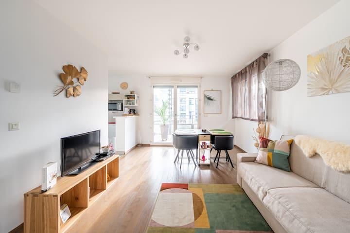 Superbe appart à Confluence avec terrasse & garage