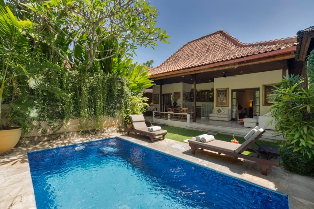 Deluxe 2 Bedroom Pool Villa - Pool Day time