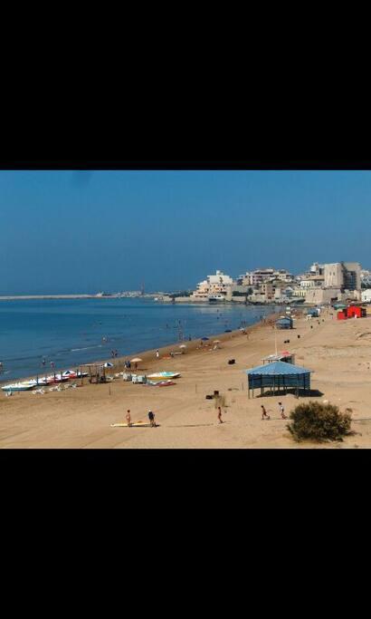 spiaggia accanto torre Cabrera, a pochi minuti dalla casa