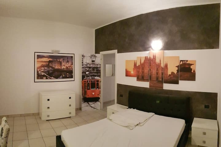 Big two-room apartment in Milan
