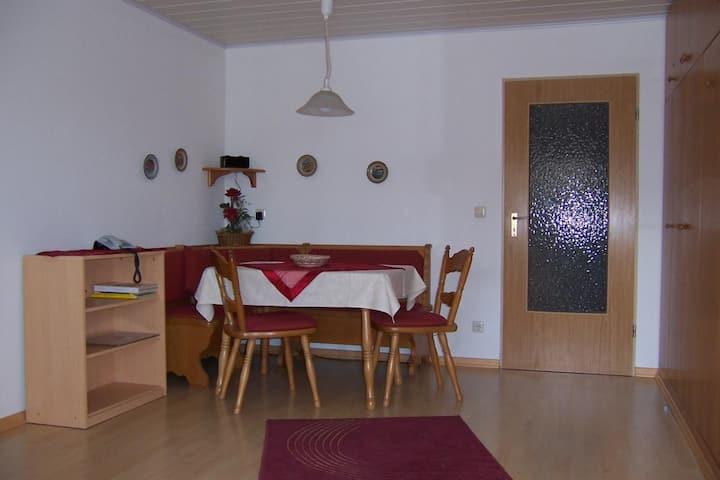 Appartementhaus Margarita (Bad Füssing), Einzimmer-Appartement (30 qm) mit überdachtem Südbalkon