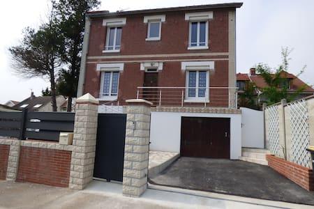 La Sanvicaise