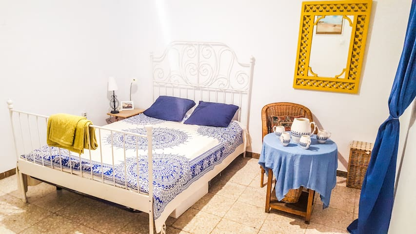 "Double Room ""el SOL"" with A/C & rooftop terrace!"