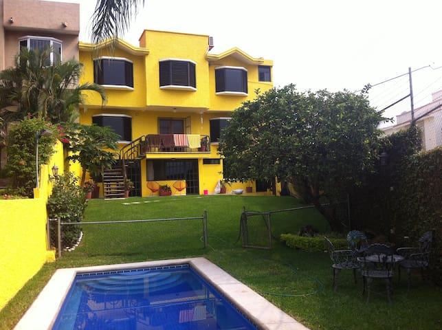 Alojamiento en Burgos de Cuernavaca UNO