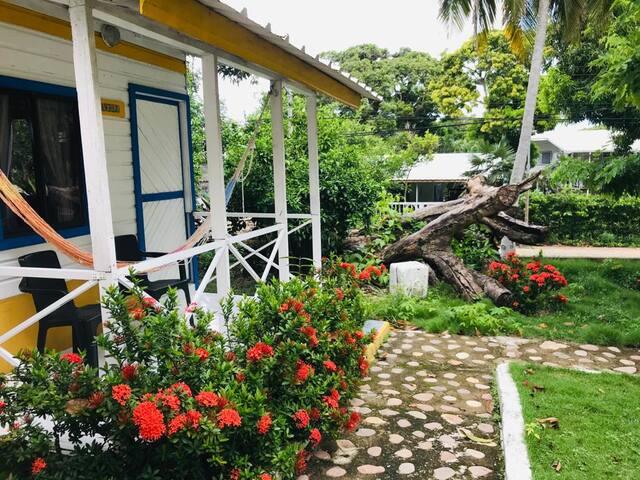 Cabaña independiente con servicios de hotel
