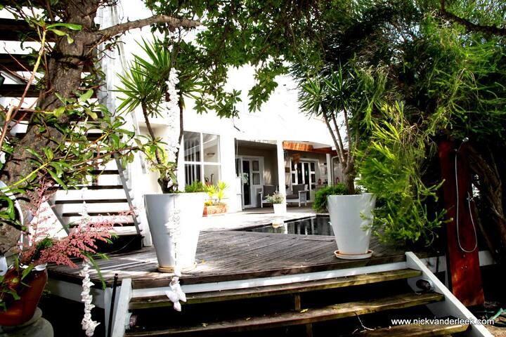 Pansy Shell room - Sea Breeze Beach House
