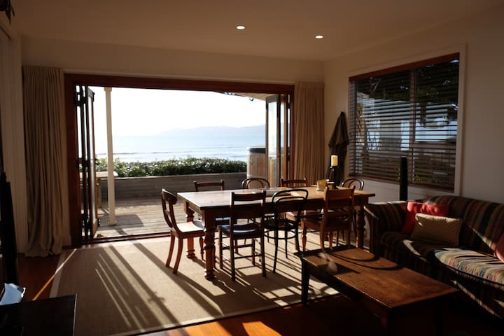 Perfect beachfront in Raumati