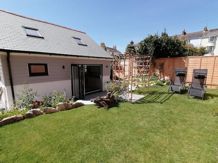 Penzance detached chalet wifi office garden teir 1