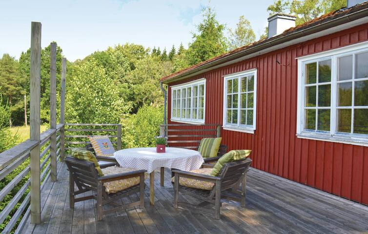 Holiday cottage with 3 bedrooms on 70 m² in Älvängen