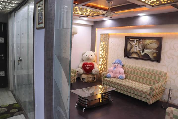 ★3BHK★ Independent Flat w/ Balcony   Bapu Nagar
