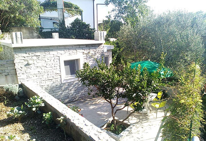 Studio - apartman LUNA  ( Separated in garden)