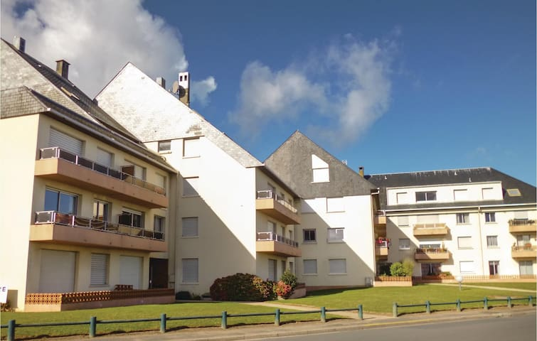 Holiday apartment with 1 bedroom on 40m² in Grandcamp-Maisy