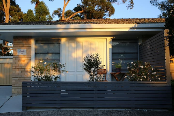 Spacious and serene garden getaway - Terrigal - Apartment